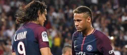PSG : Neymar aurait exigé le départ de Cavani - yahoo.com