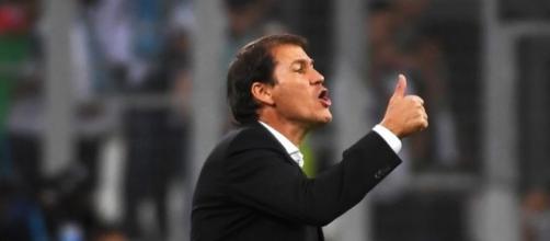 Rudi Garcia félicite Lucas Ocampos pour sa performance contre le TFC - eurosport.fr