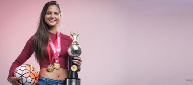 Deyna Castellanos fue nominada entre las 10 mejores futbolistas de ... - lamegaestacion.com