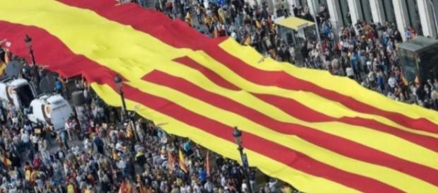 Independencia de Cataluña: La Constitución catalana permitirá a ... - elconfidencial.com