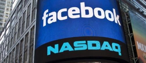 Crolla a -4,50% il titolo del social da 2 milioni di utenti dopo gli sviluppi del Russiagate.