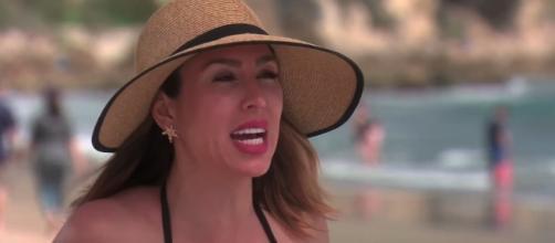 Kelly Dodd at the beach [Image via Bravo/YouTube screencap]