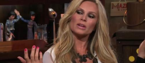 Tamra Judge in the clubhouse [Image via Watch What Happens Live/YouTube screencap]