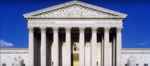 United States Supreme Court building. (Image from OneMinuteClass/Youtube)