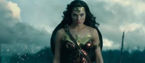 Wonder Woman will be a hot outfit this Halloween. [Image via YouTube]