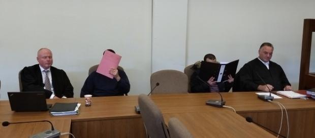 Adil E. und Mohammad N. sollen grausame Körperverletzungsdelikte begangen haben ... Foto: Sigrid Schulz