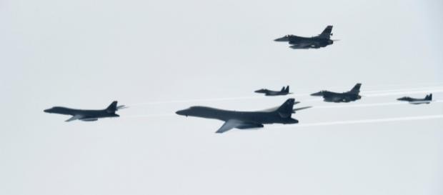 Demonstrație de forță a bombardierelor SUA în apropiere de spațiul aerian nord-coreean - Foto: www.foxnews.com