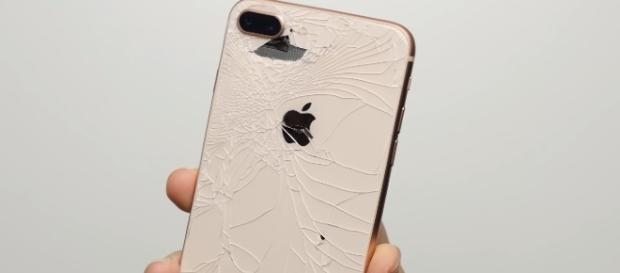 iPhone 8 Plus   [PhoneBuff / YouTube screenshot]