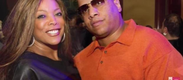 Wendy William's husband Kevin Hunter is allegedly keeping a mistress for 10 years./Pictured GEMSpotTV/YouTube