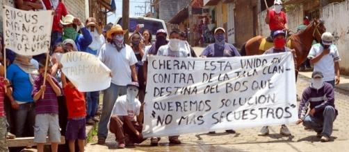 Cherán es un pueblo Purépecha de Michoacán se sacudió la invasión de paramilitares armados que pretendían desalojarlos de sus bosques