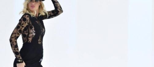 Ilary Blasi ha parlato dell'eventualità di diventare mamma per la quarta volta.