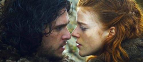 Kit Harington and Rose Leslie - YouTube screenshot | Access Hollywood/https://www.youtube.com/watch?v=ZW87gKACKbQ