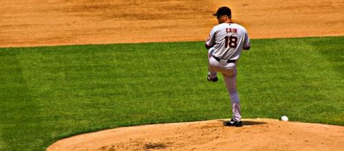 Matt Cain pitching - Wikimedia Commons