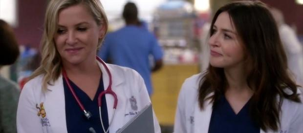 "Jessica Capshaw talks about the huge surprise in ""Grey's Anatomy"" Season 14 (Image Credit - CalzonaMD/YouTube Screenshot)"