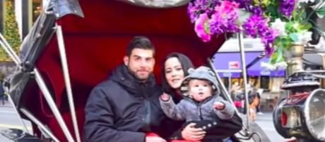 Jenelle Evans and husband, David Eason with son Kaiser--Image by Aban News/YouTube