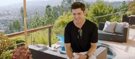 Zac Efron answers questions from Vogue, Image Credit: Vogue / YouTube