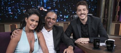Fábio Porchat recebe Luciele di Camargo e Denílson de Oliveira em seu programa