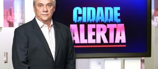 Suposto espírito do apresentador Marcelo Rezende aparece em seu próprio velório.