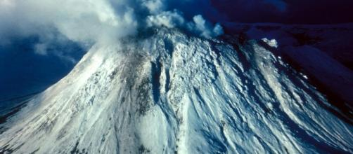 Volcanic rumblings on two islands trigger mass evacuations- [Image by US. Fish and Wildlife Service / Wikimedia Commons]
