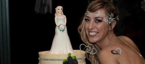 Laura Mesi decidiu se casar com ela mesma (Crédito: Facebook/ Laura Mesi Sposa Single)