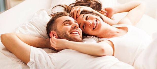 Um 'boa noite, eu te amo' faz toda a diferença antes de dormir.