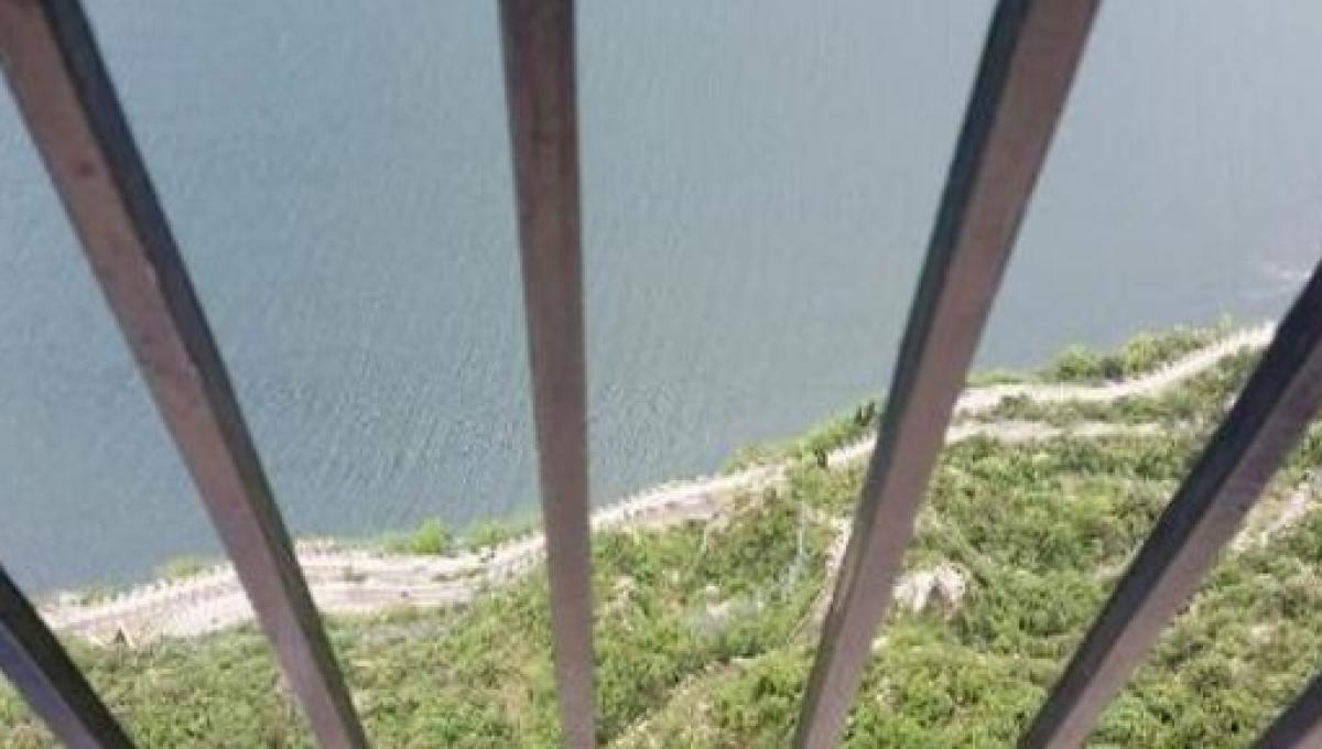 Suicidio Choc Matteo Si Lascia Andare Nel Vuoto Da 350 Metri