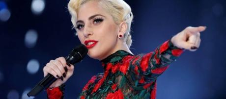 Lady Gaga en el desfile de Vistoria's Secret - Wikimedia Commons File: