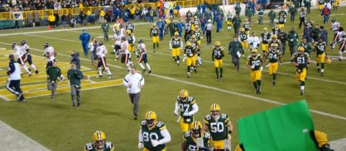 A game between the Green Bay Packers and Chicago Bears / [Image by Brian Giesen / Flickr]