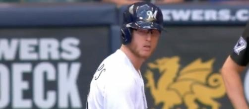 Brett Phillips' RBI double in the sixth inning helped the Brewers top the Reds, 4-3. [Image via MLB/YouTube]