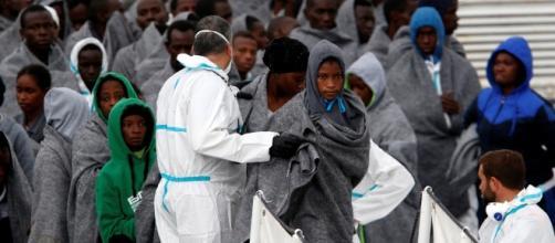 Macron scarica l'Italia: sui migranti nulla di fatto al vertice di ... - huffingtonpost.it