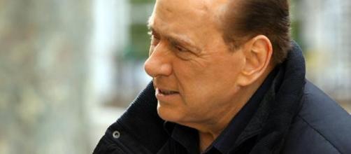 Prima uscita pubblica di Berlusconi senza cerotti | Bergamosera ... - bergamosera.com