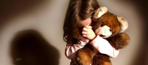 Rumeno 38enne residente a Ragusa ha abusato,più volte, sessualmente di una minorenne disabile sua parente.Fonte:http://www.ilsuperuovo.org/