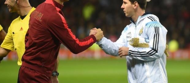 Cristiano Ronaldo y Lionel Messi ¿rivales en el mejor fúlbol? - thesun.co.uk