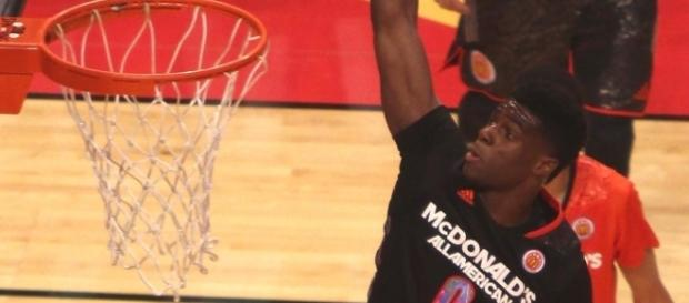 Emmanuel Mudiay with the dunk | Wikimedia Common | TonyTheTiger