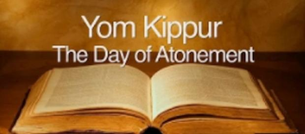 Yom Kippur is celebrated on September 29, 2017 [Image Credit: ASKDrBrown/YouTube screenshot]