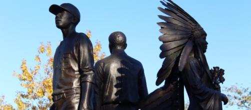 FSU needs more than a statue. via Wikimedia Commons