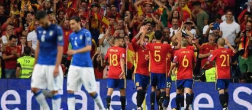 La delusione dei giocatori italiani, contraltare alla gioia incontenibile degli spagnoli