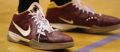 Nike shoes / Photo via GAMEFACE-PHOTOS, Wikimedia