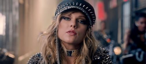 Taylor Swift is sporting a new look and sound for her upcoming sixth record. (YouTube/TaylorSwiftVEVO)