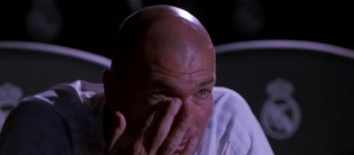 Zidane ému aux larmes dans Téléfoot!