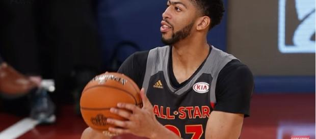 Anthony Davis ---- the Fumble/ Flickr