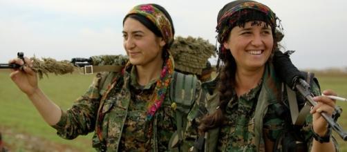Female Kurdish fighters. [Image Credit: Kurdishstruggle/Flickr]