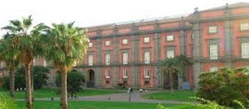Il Museo di Capodimonte e il giardino a Napoli.