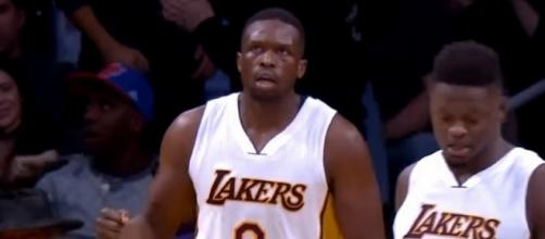 Lakers forward Luol Deng pays no mind to NBA trade rumors -- DownToBuck via YouTube