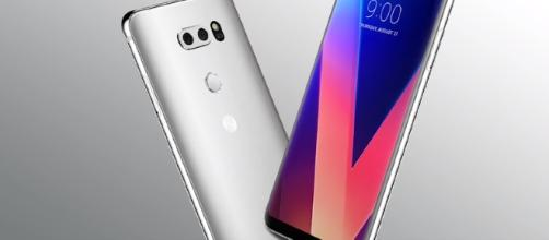 LG V30 smartphone: (Image Credit: Tailosive Tech Channel/YouTube)