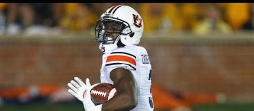 No. 13 Auburn hosts No. 24 Mississippi State in a Saturday night SEC showdown. [Image via CBS Sports/YouTube screencap]
