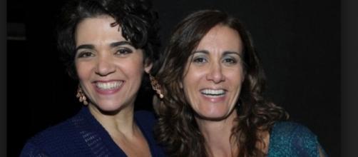 Solage Badim à esquerda com a amiga Márcia Cabrita à direita