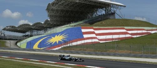 Vettel partirà in ultima posizione nel GP di Malesia.