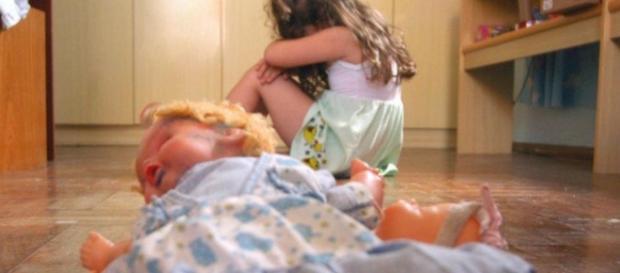 Menina de 10 anos filma o próprio estupro