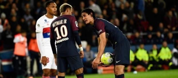 Neymar e Cavani: disputa de egos nos time de Paris